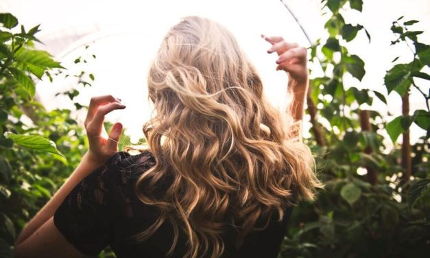 Huile de fenugrec : Une peau et des cheveux en parfaite santé